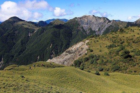 讓時間為山說話:讀《心向群山》再探台灣登山