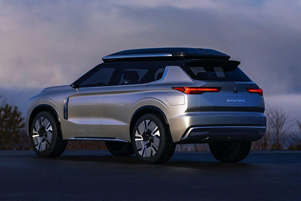 三菱Engelberg Tourer Concept概念車採用2.4L汽油引擎搭...
