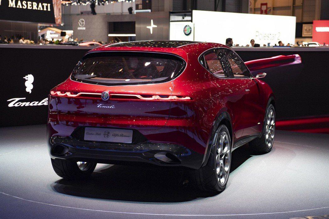 Alfa Romeo Tonale Concept是輛插電式油電混合動力車,而原廠則尚未說明這款概念休旅會於何時量產。 摘自Alfa Romeo
