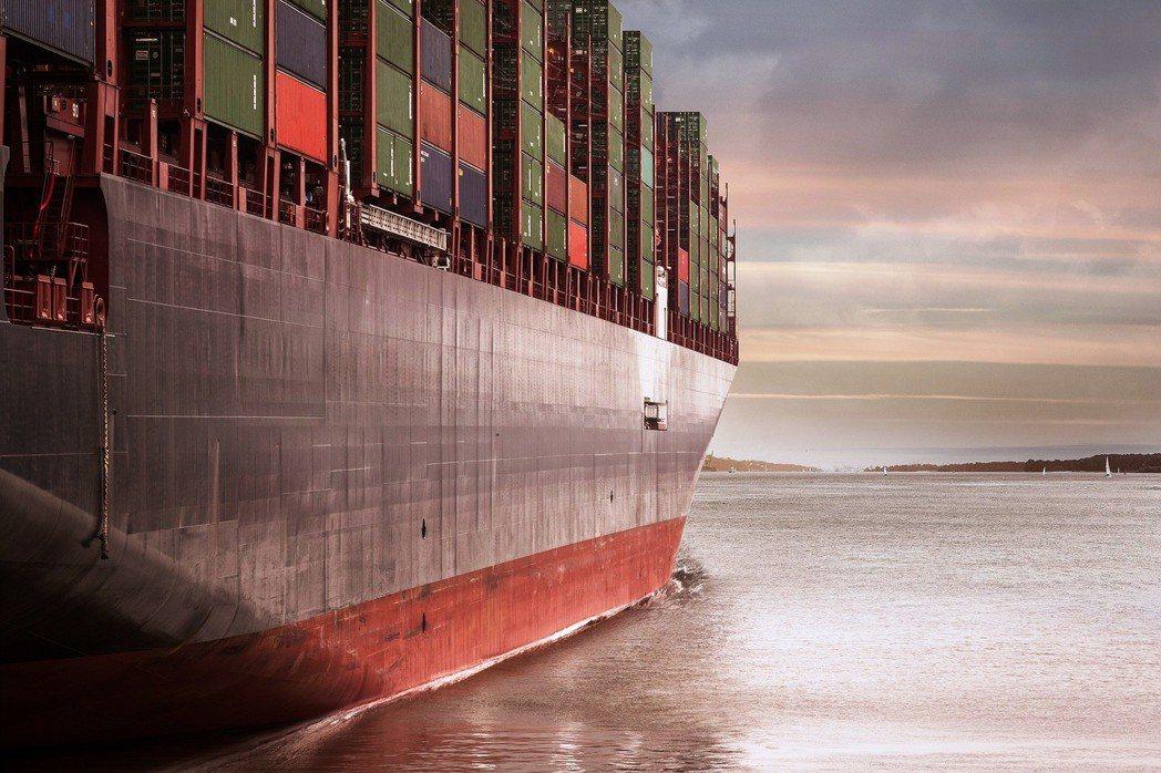 每年,海運造成全球大約6萬名心肺或肺癌患者提早死亡。圖/pixabay
