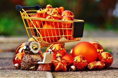 電子商務(E-commerce)要用掉更多包裝,產品運輸也至少有一部分要靠空運。...