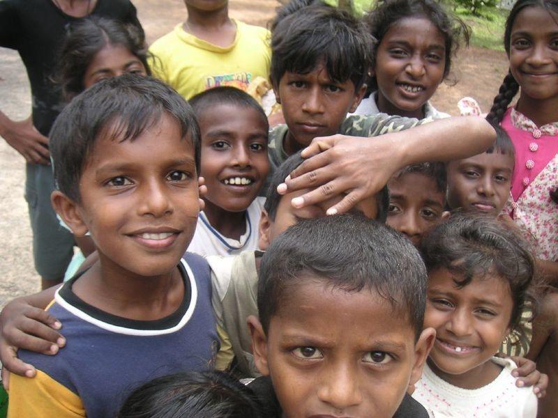 英國國會呼籲政府應該增加收容非洲難民。(Photo by Indi Samara...
