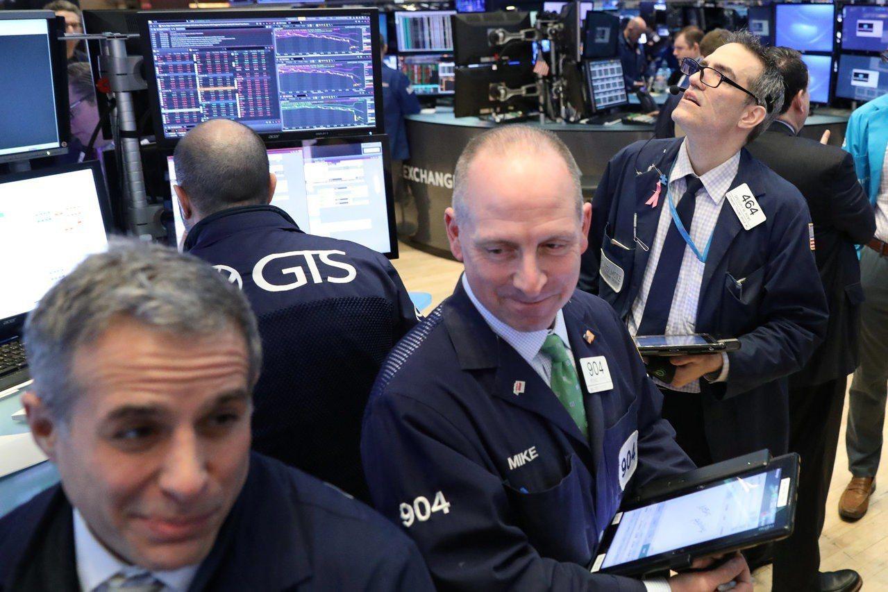 投資人正在觀望美中貿易談判進展,美股周二小幅下跌。 路透