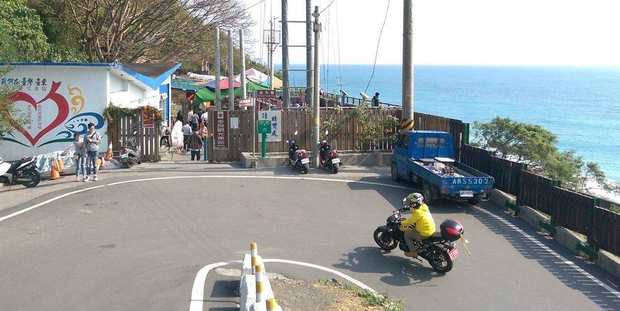 台東縣南迴鐵路被封為全台最美「多良火車站」,因重新整建工程,將於3月11日起暫時...
