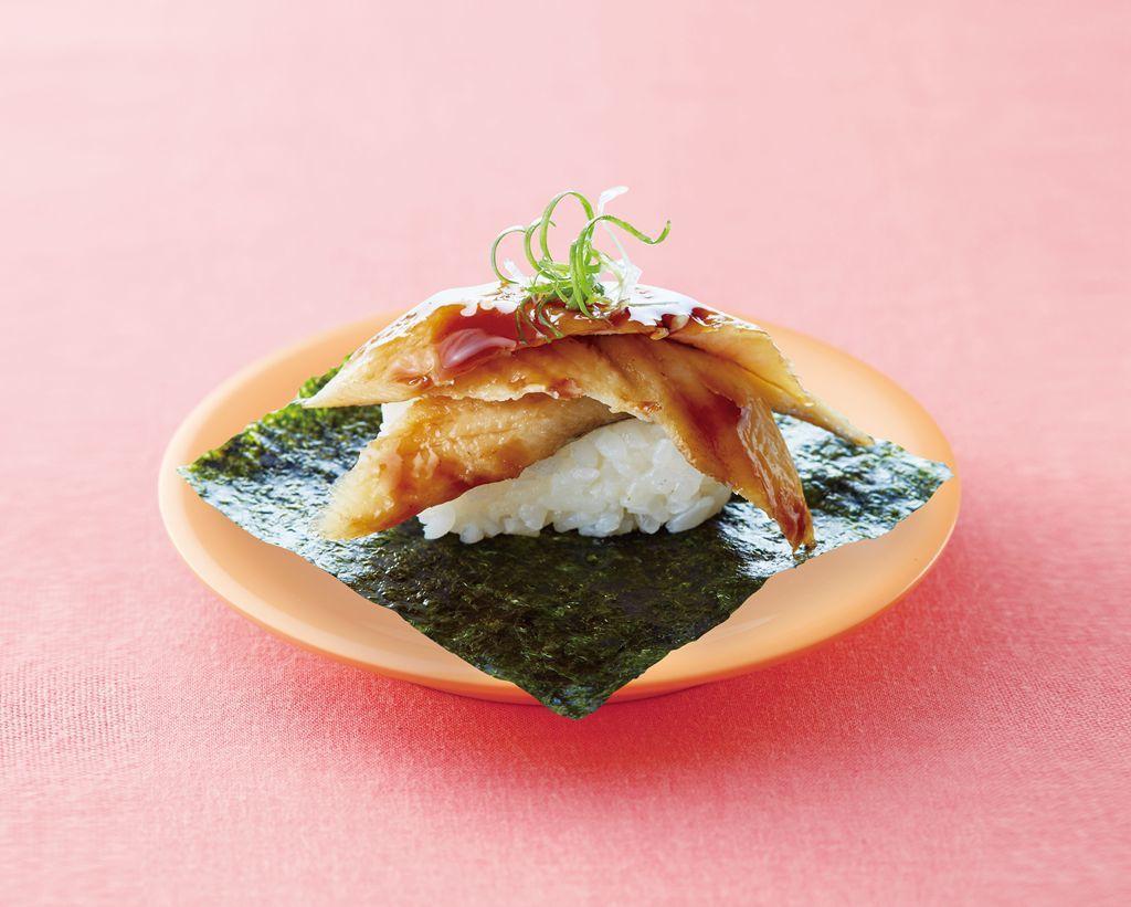 使用星鰻、海苔與新鮮青蔥搭配醋飯的蒲燒醬星鰻盛,每份30元。圖/爭鮮提供