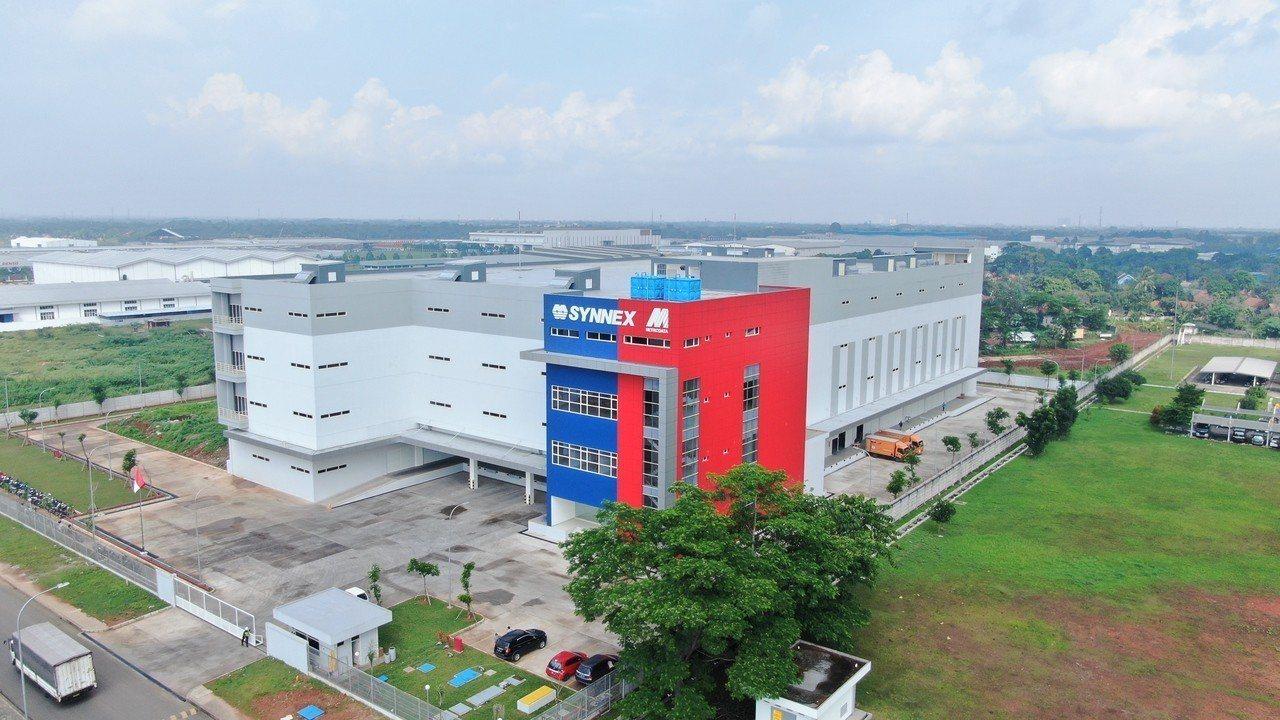 聯強印尼首座運籌中心落成,將提升三倍儲配貨能力,以因應當地業務成長所需。圖/聯強...