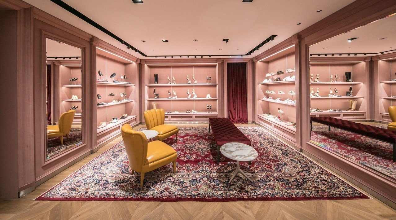 女裝樓層以粉色調為主軸。圖/Gucci提供