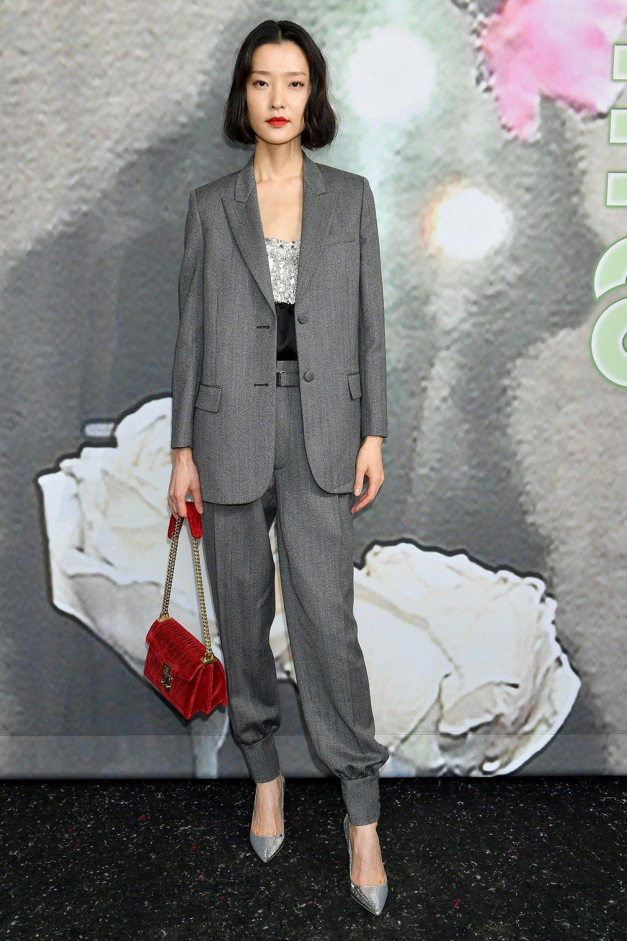 中國名模杜鵑出席MIU MIU2019秋冬服裝秀。圖/MIU MIU提供