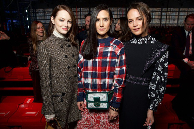 艾瑪史東、珍妮佛康納利、艾莉西亞薇坎德等品牌好友出席LV 2019秋冬大秀。