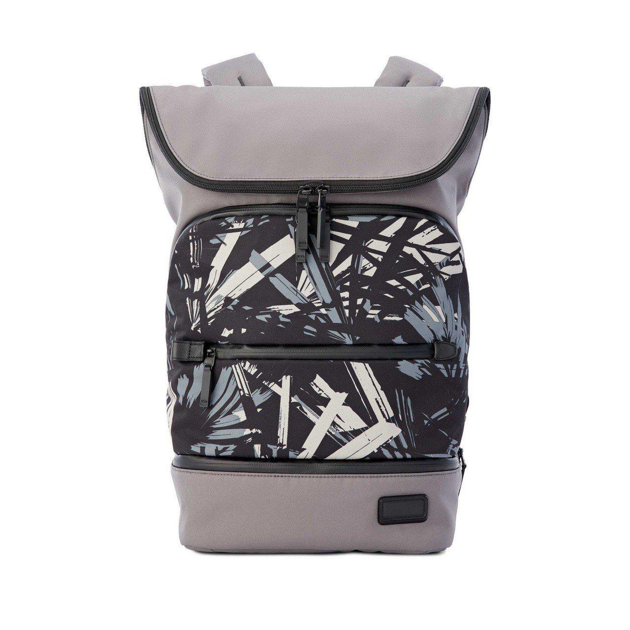 TAHO系列藍印花色Forest後背包,16,800元。圖/TUMI提供