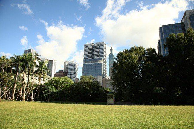 聯合報新大樓周邊有國父紀念館。圖/璞園提供