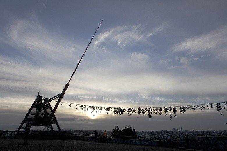 原史達林雕像的位置,現在變為節拍器。 圖/路透社