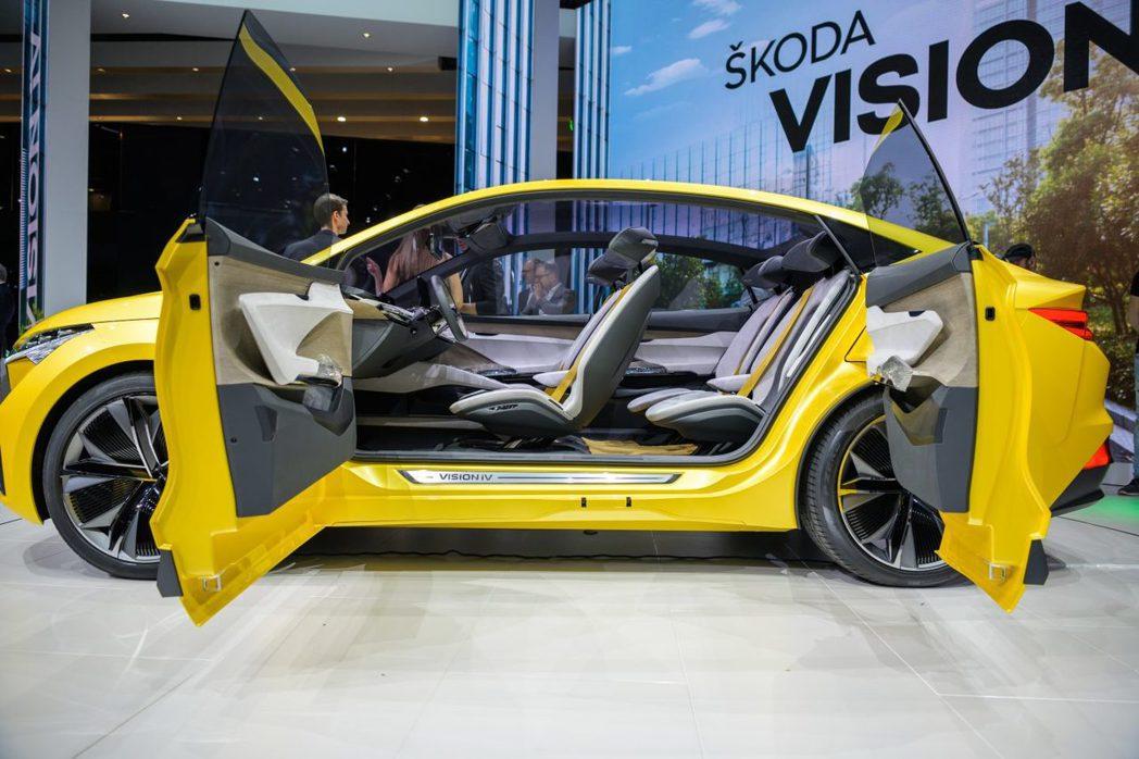 ŠKODA Vision iV採用對開式車門設計。 摘自ŠKODA