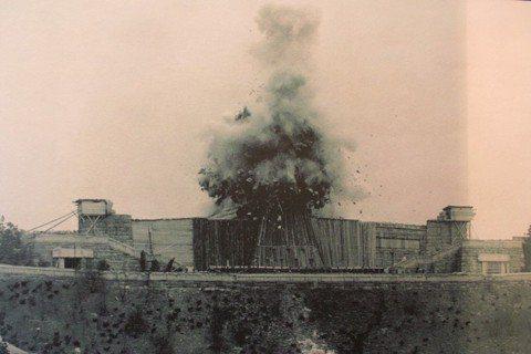 炸毀史達林雕像,另一個「不知感恩」的故事