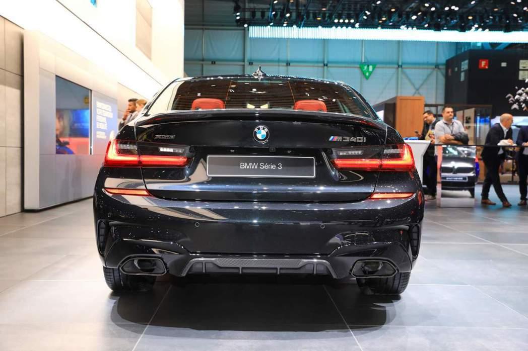 BMW M340i xDrive穿上新式M Performance套件。 摘自C...