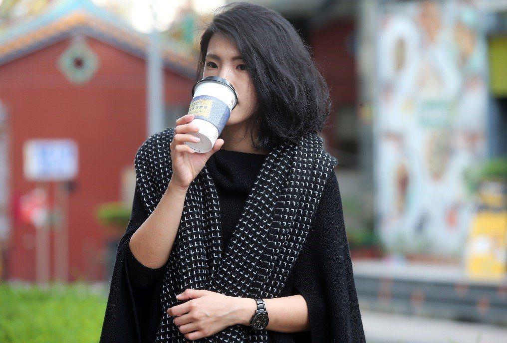 萊爾富Hi Café莊園咖啡採用精緻工序採收製作,散發獨特的香氣與餘韻。記者徐兆...