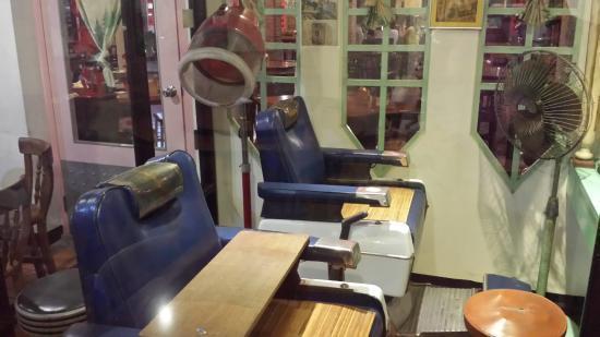 香蕉新樂園內的老式理髮廳。 圖片來源/貓途鷹