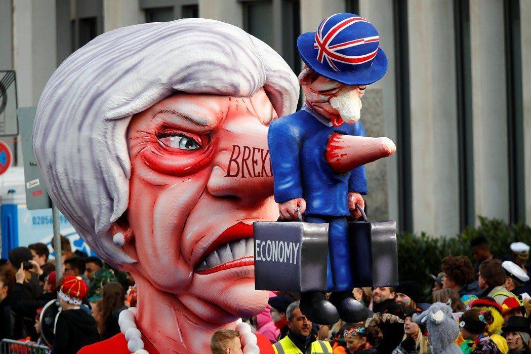 科隆玫瑰星期一的遊行活動,英國首相梅伊、美國總統川普等人都是近年常出現的角色。 ...