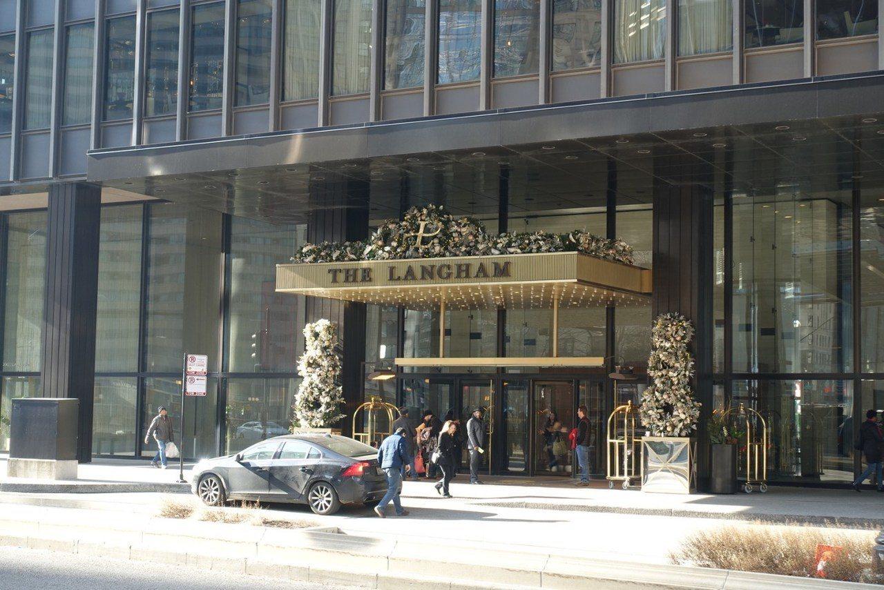 酒店的相對地理位置大門口雖然雕琢很華麗,但是其實面積不大,完全走低調路線 圖文來...