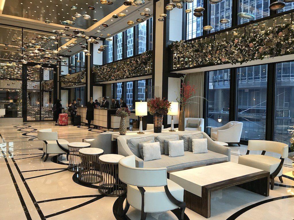 所有旅客都會先被引導到二樓這個真正的大廳,進行Check-In手續 圖文來自於:...