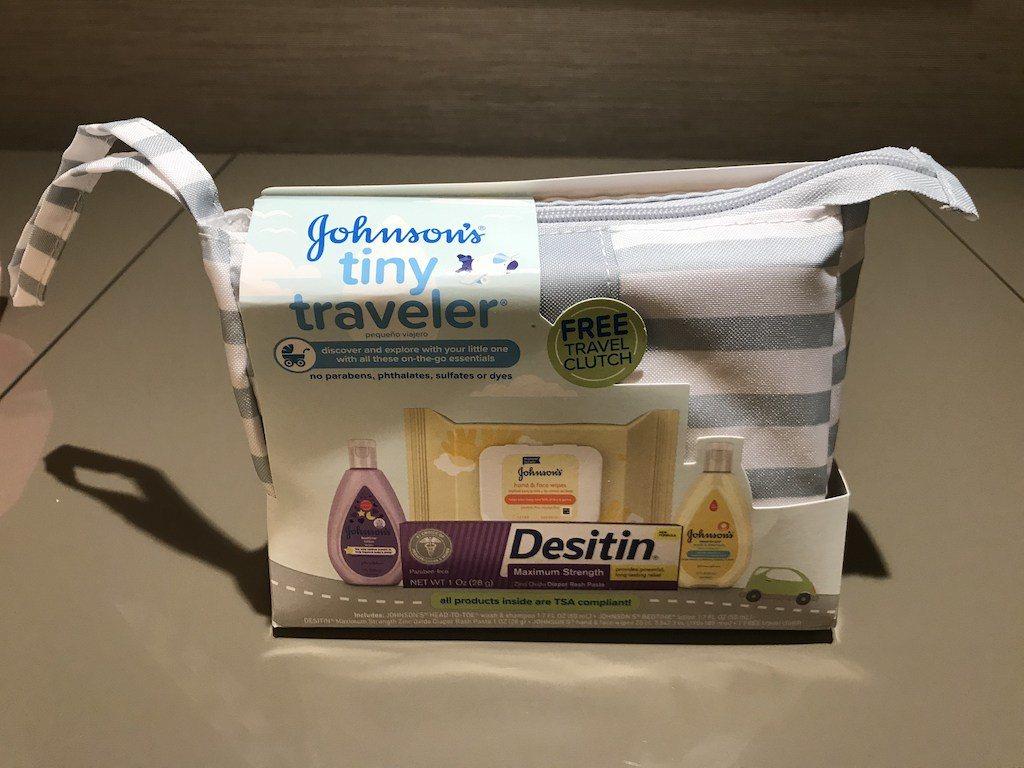 酒店也有貼心準備了嬰兒專用的盥洗包,只能說五星級酒店就是這麼貼心,一下子就收買了...