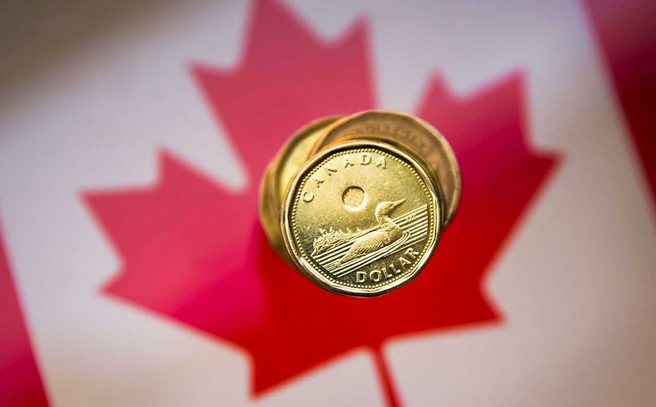 加幣走貶。加拿大央行如預期把政策利率維持在1.75%不變,並表達經濟放緩幅度超出...