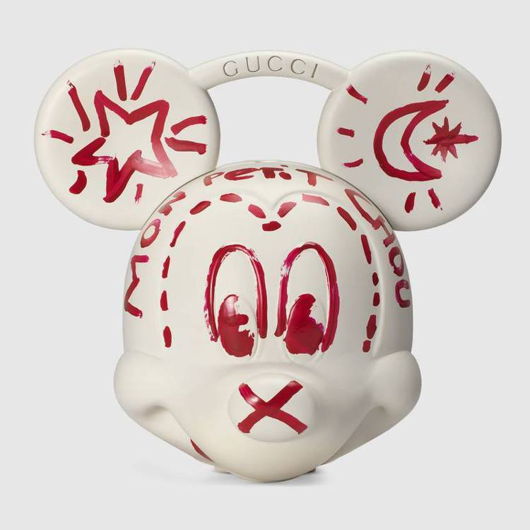 3D列印製成的Gucci塑膠材質米奇包,白色款售價3700歐元(近台幣13萬元)...