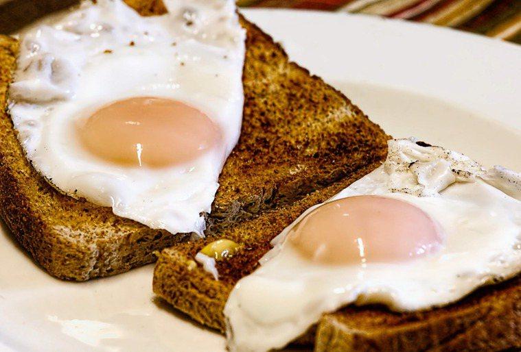 雞蛋的膽固醇含量高。圖/摘自 pexels