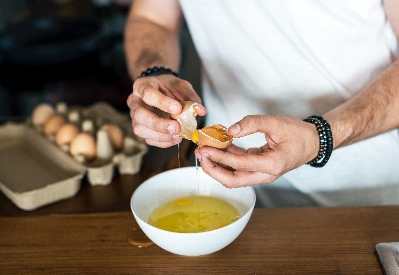 調味或過度烹煮的雞蛋,容易讓養分流失。圖/摘自 pexels