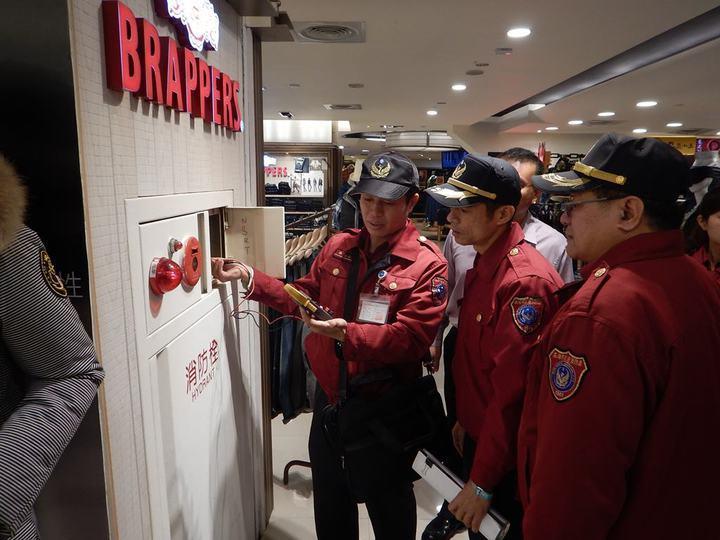內政部通過「消防安全設備檢修及申報辦法」草案,管理權人至少每半年至1年需進行檢修...