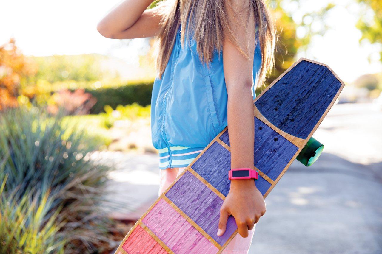 專為孩童設計的Ace 2運動手環。圖/Fitbit提供