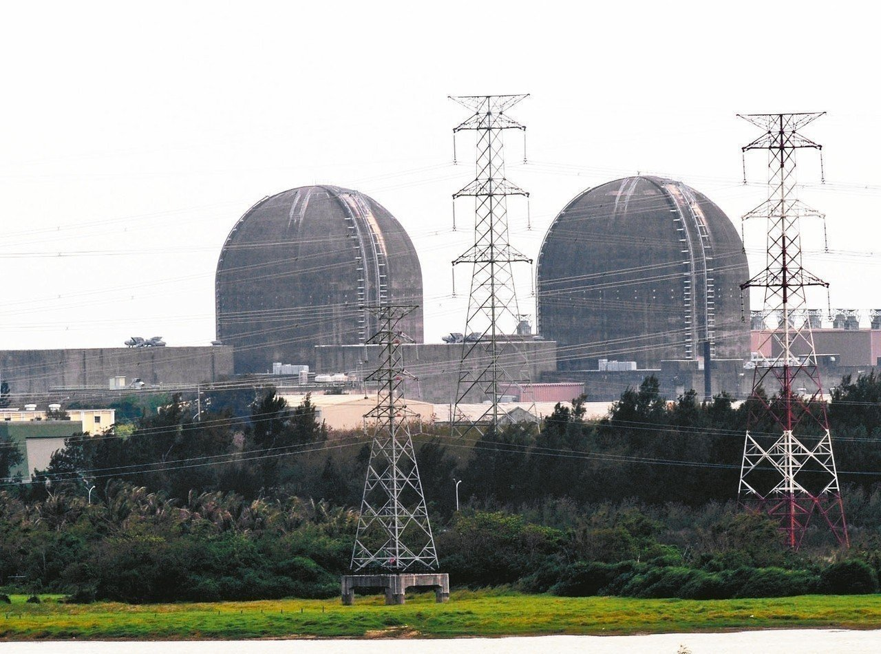 生活時事題型,例如「以核養綠公投」與核能反應與再生能源、「特斯拉降價爭議」則可能...