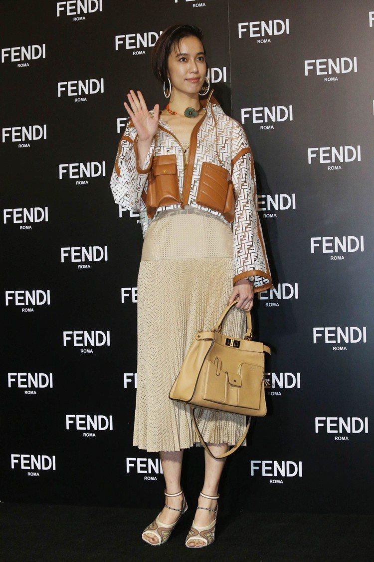 陳庭妮以大地色系春夏新裝出席FENDI的展覽活動。記者林俊良/攝影