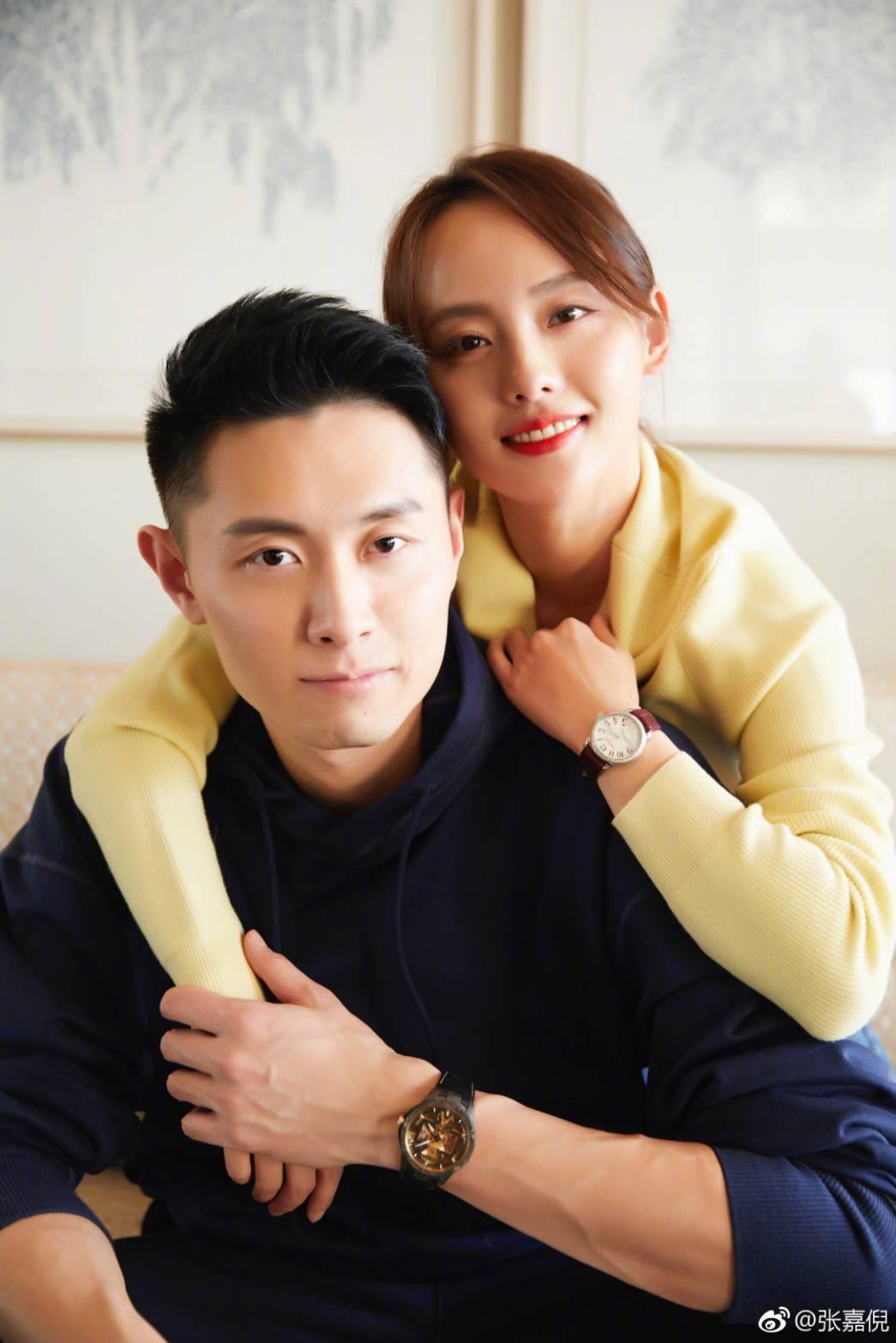 張嘉倪與老公買超婚姻幸福。圖/摘自微博