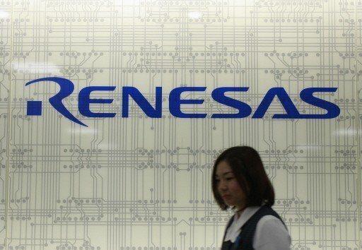 日本半導體大廠瑞薩電子(Renesas Electronics)七日宣布將分批暫停國內外十三座工廠生產線。 (路透)