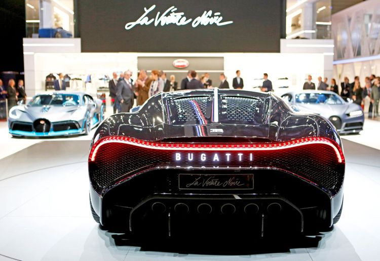 號稱史上最貴新車的Bugatti「黑車」(La Voiture Noire)在日...
