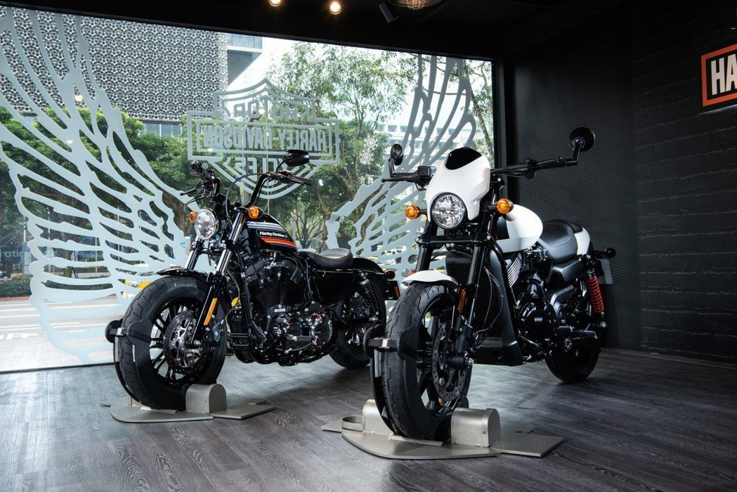 SPORTSTER Forty-Eight Special(左),Street ...