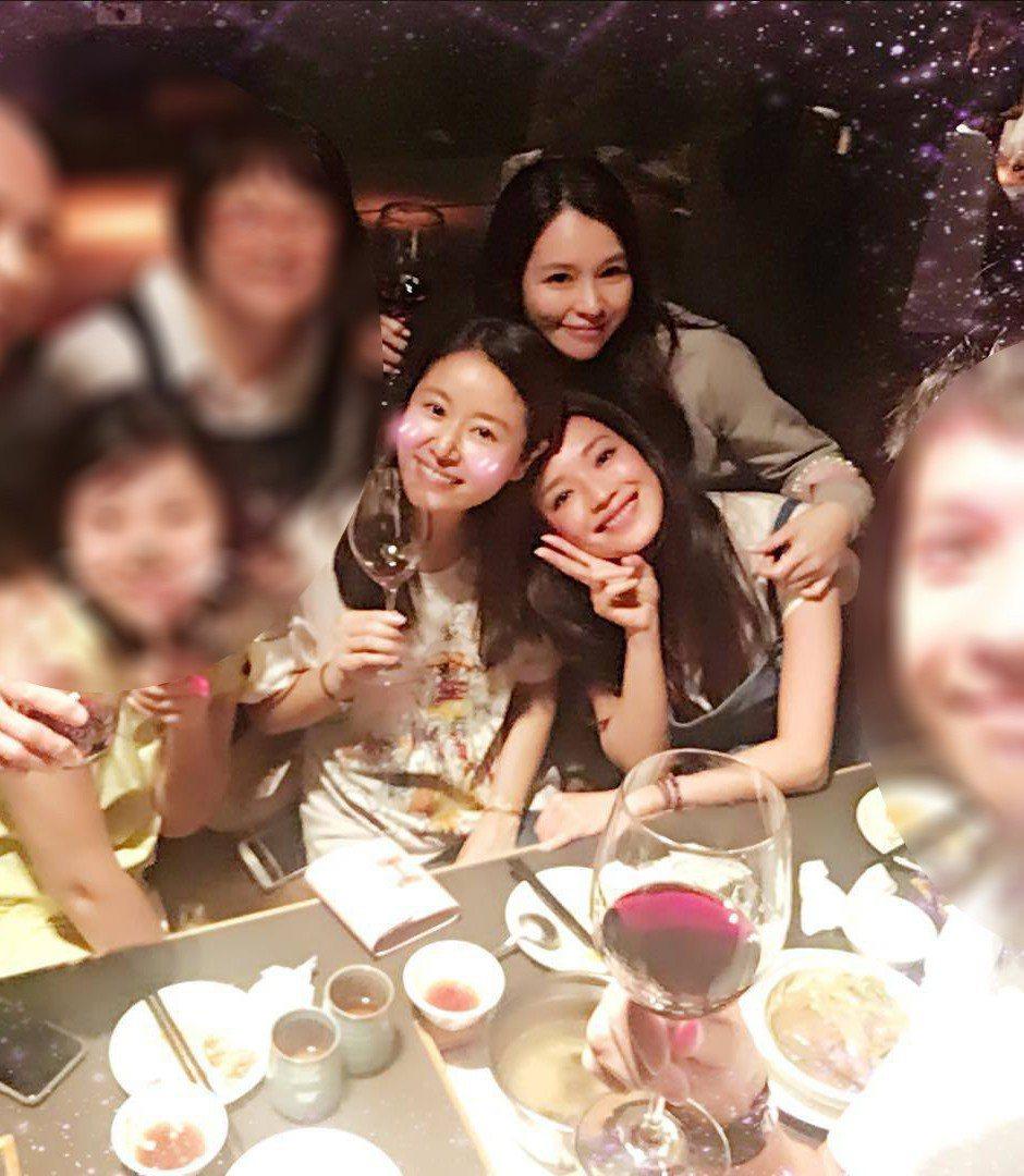舒淇、徐若瑄和林心如,在演藝圈是眾所周知的閨蜜。(  ※ 提醒您:禁止酒駕 飲酒
