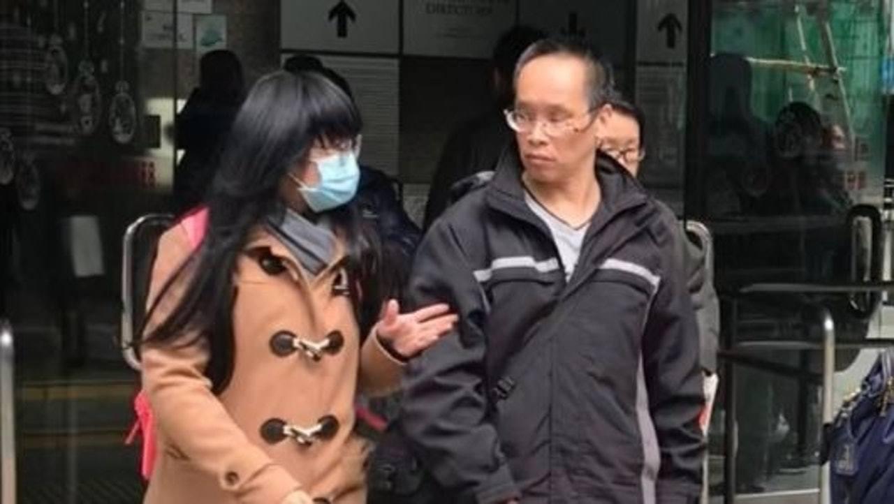 被告吳劍榮(右)在區域法院承認危險駕駛。(林樂兒攝)