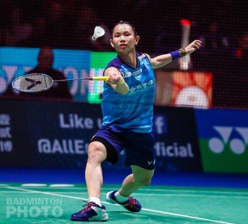戴資穎在16強賽拍落美國女將張蓓雯。圖/取自Badminton Photo