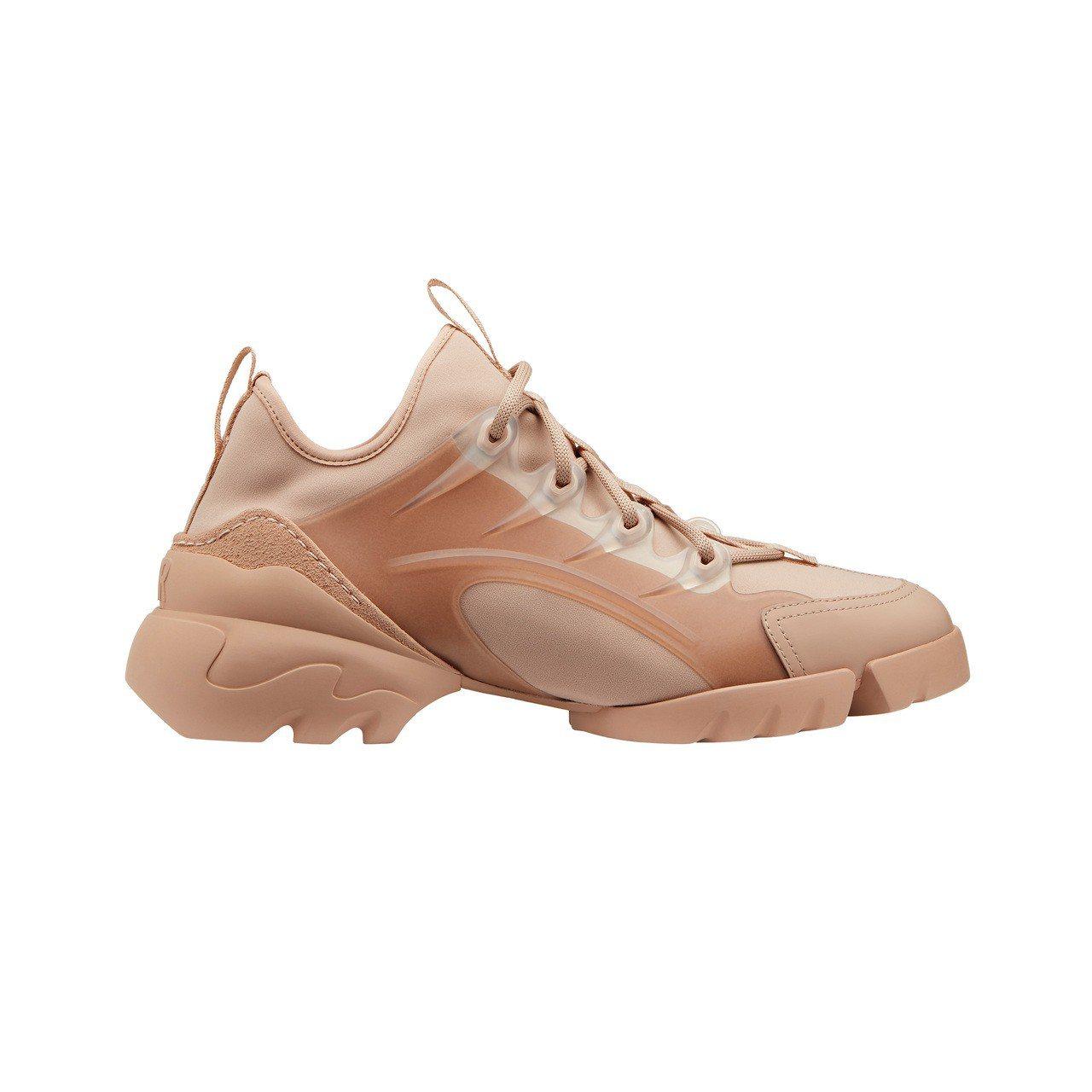 Dior D-Connect粉膚色橡膠球鞋、34,000元。圖/Dior提供