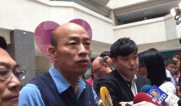 高雄市長韓國瑜認為,發生鬥毆就撤換警察局長,不能徹底解決治安問題,也會讓第一線的...