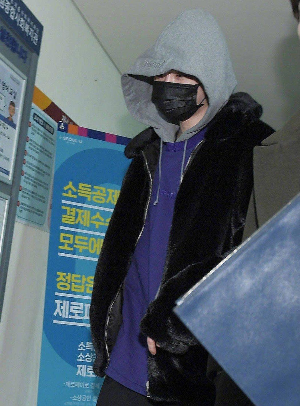 李鍾碩全身包緊緊。圖/摘自xportsnews
