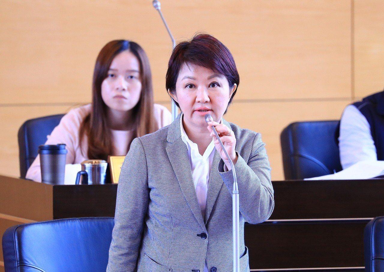 台中花博票務案引發爭議,議員要求3個月內提調查報告,否則就是共犯。台中市長盧秀燕...