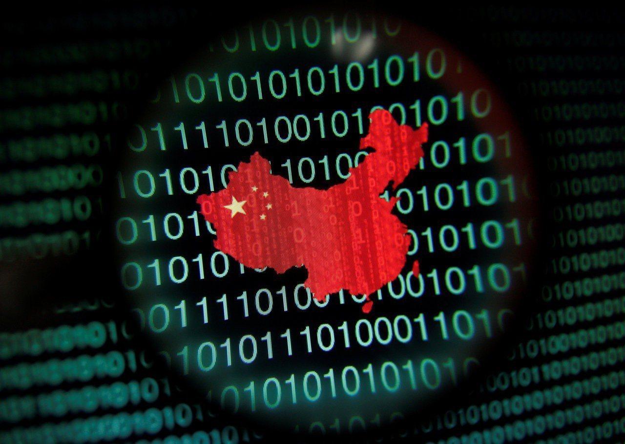 日經新聞報導,光寶科、廣達等台廠的美國客戶要求他們將電源零件生產線移出中國,因為...