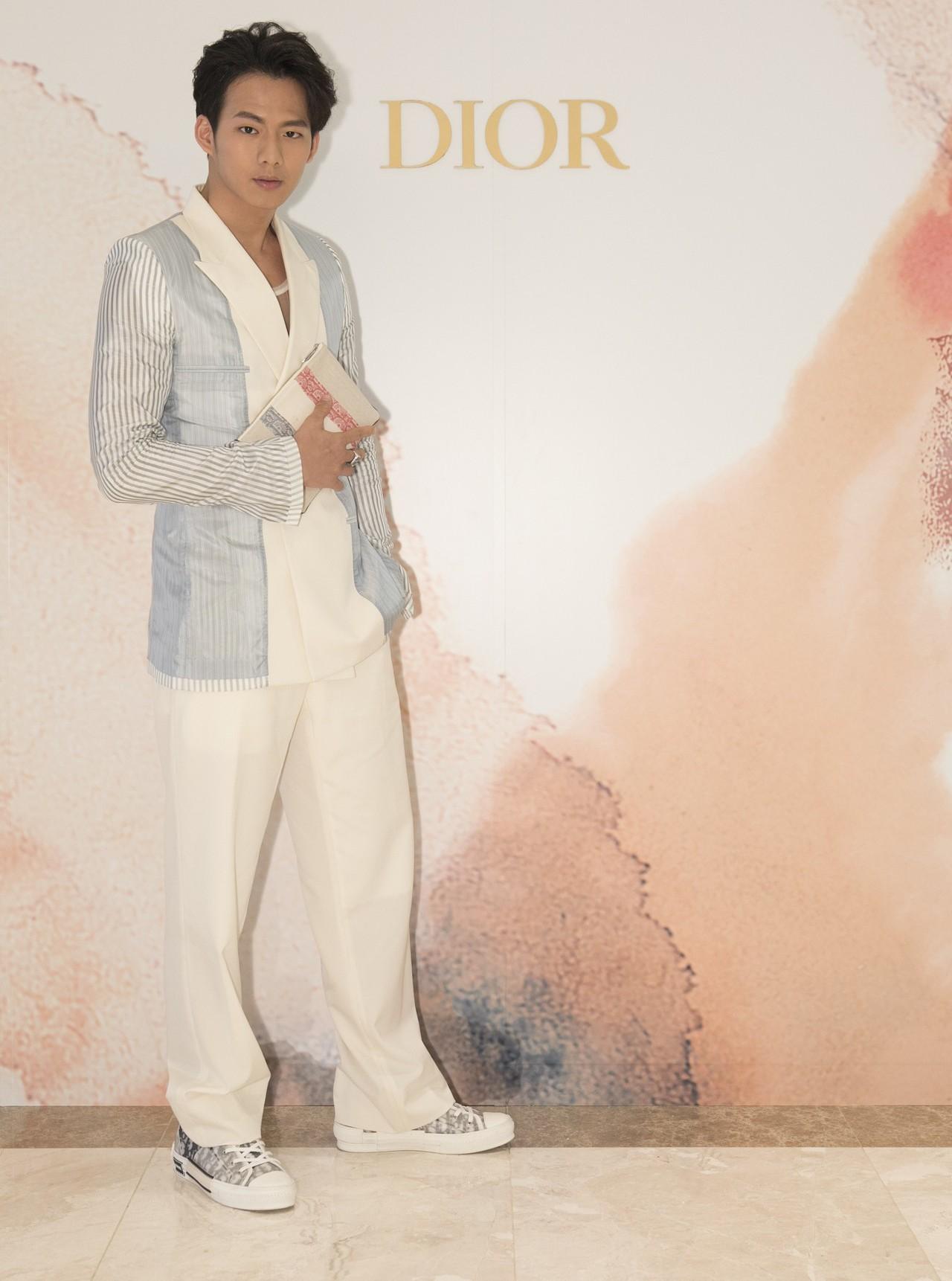 吳念軒表示身上的衣服穿起來有舞動的節奏感。圖/Mark Li提供