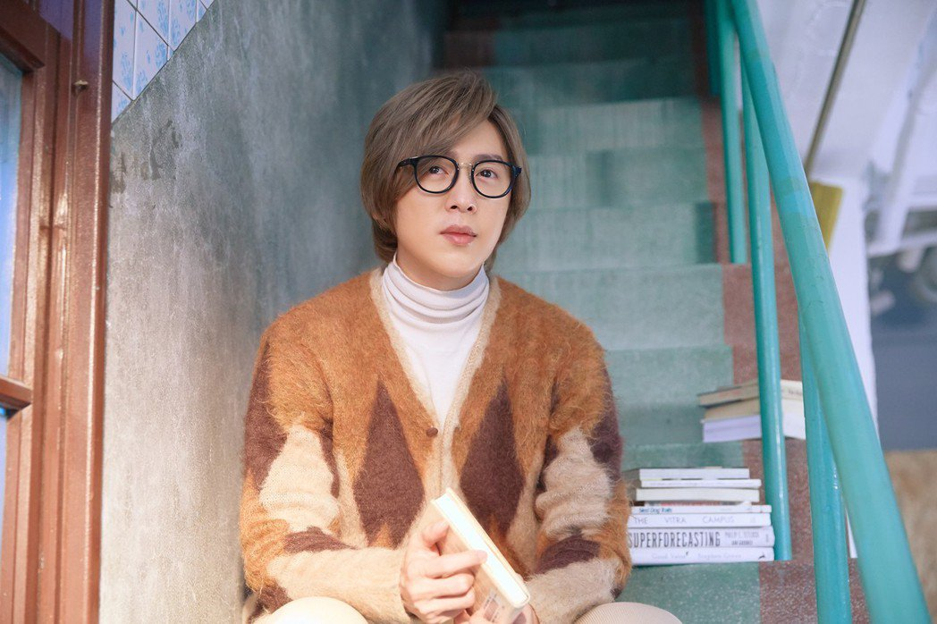 方泂鑌推出新單曲「一千個晚安」。圖/海蝶音樂提供