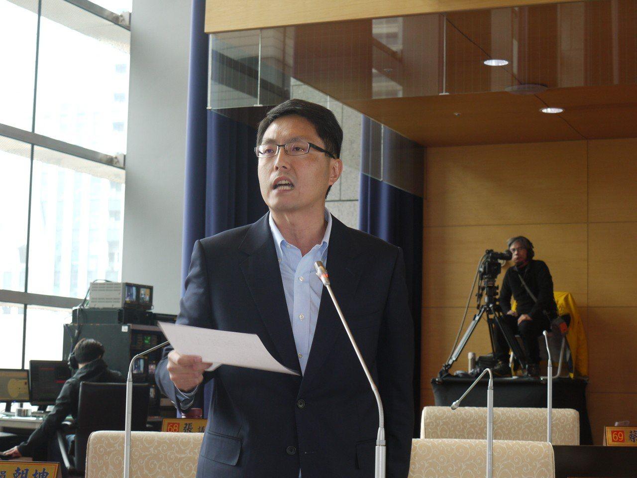 民進黨議員林德宇質疑,台中花博開幕迄今,票房收入不到5億元,遠低於預期的16.8...