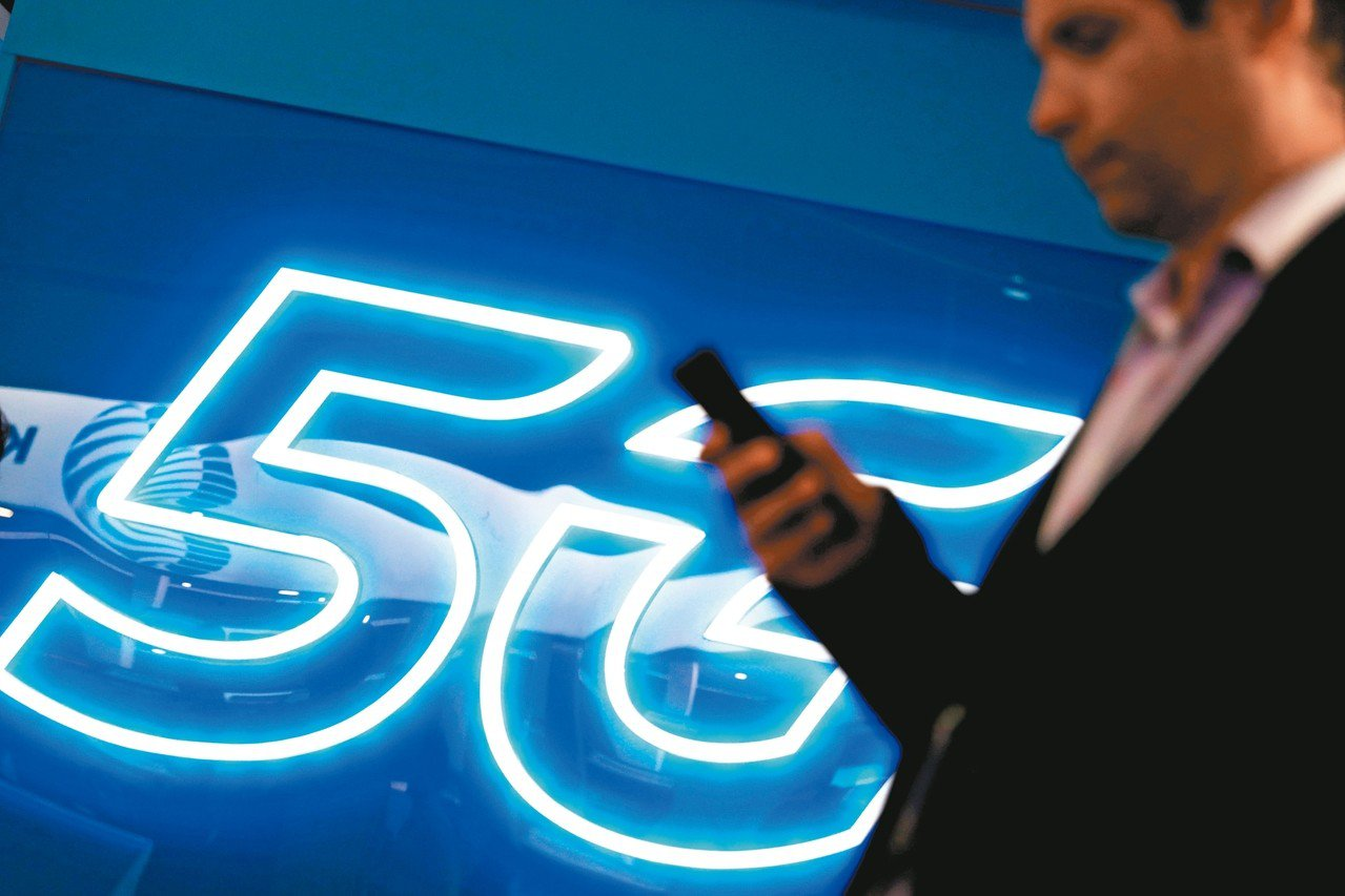 5G商轉倒數,台廠供應鏈可望受惠。路透