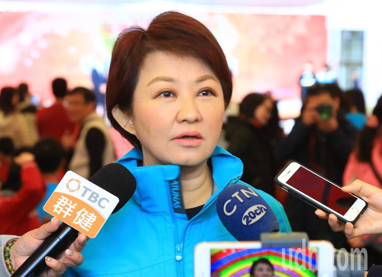 台中市長盧秀燕今天要南下台南,幫台南市立委補選候選人謝龍介輔選。記者余采瀅/攝影